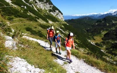Trekking familiar en los Alpes Julianos