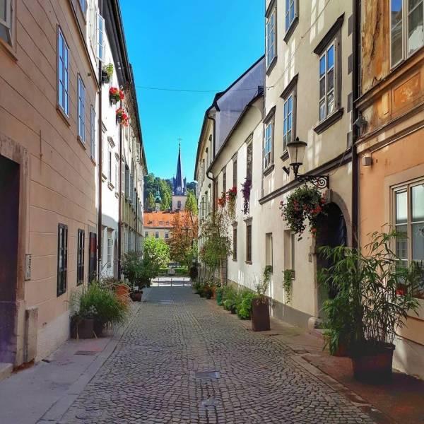 Križevniška street in Ljubljana  #ifeelsLOVEnia #mojaslovenija  Photo by @vivanamn.