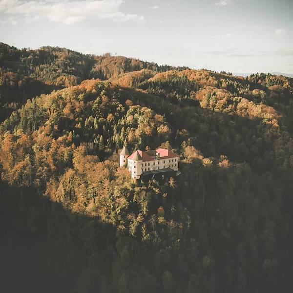 Slovenia with all its castles Did you know that in Slovenia, there are more than 500 castles? Yes, a loot of culture indeed.  In the heart of Podčetrtek, in between a fairytale scenery, there is a beautiful castle built in the 13th century. Podčetrtek belongs among the oldest castles in the country. It was once located at the old national border, at Sotla river.  Podčetrtek has so much more to offer, just make a great plan and put it in your itinerary.   Thanks @jurij_pelc for sharing your photo with #ifeelsLOVEnia.#itsculturetime