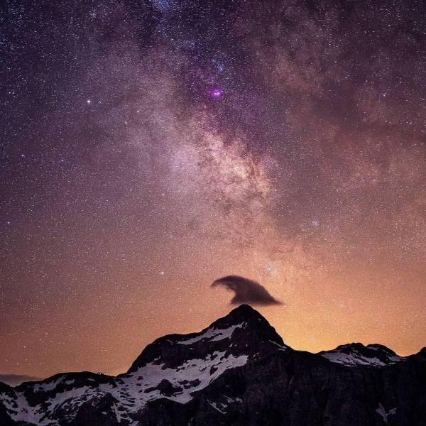Midnight beauty.   #ifeelsLOVEnia #mojaslovenija #sloveniaoutdoor    Photo by @zupanphoto
