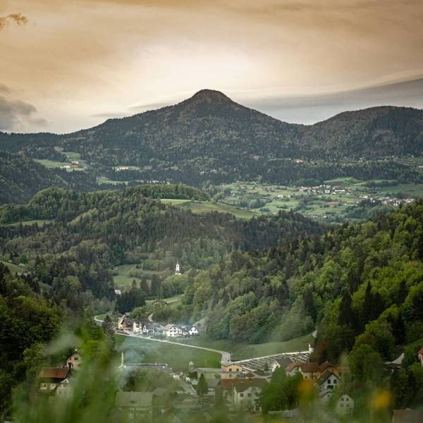 Blegoš. Nature. Forest. Village. #ifeelslovenia #traveltomorrow  Photo by @jurekrizanec.  #slovenia #staycation #mojaslovenija  #blegoš #polhograjskohribovje #poljanskadolina #slovenialovers #ifeelslovenia #feelslovenia #hribolazec #hribisokul #hribovc #kampadanes #myway #mountains #nature #naturephotography #landscapephotography #sunsetlover #sunset #slovenija #lepoteslovenije #igslovenia