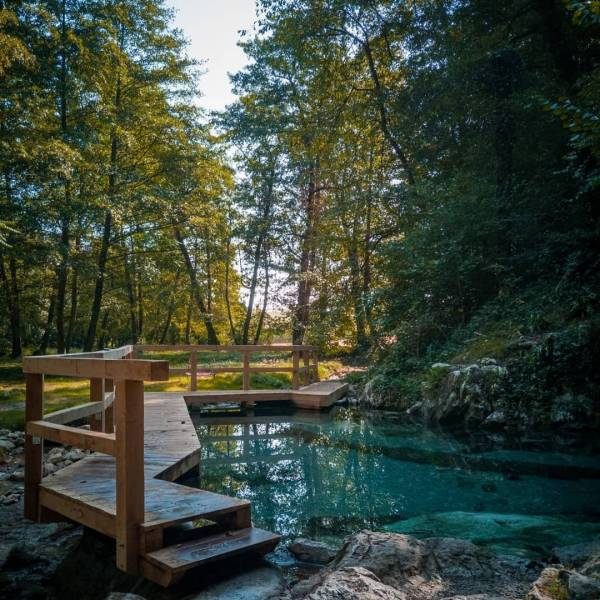 @lonelyplanet reveals Europe's best hot springs.  The tiny outdoor spring in the village of Klevevž is among them. Read more in the BIO link.   #ifeelsLOVEnia #mojaslovenija #dolenjska #lonelyplanet #slovenianature  Photo by @avfilmsmobile.