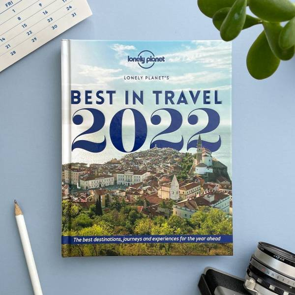 Slovenia among the top 5 destinations in 2022✨ by @lonelyplanet.  And that's not all. A photograph of the coastal pearl of Piran has made it onto the cover of the book edition of the top 2022 destinations.  Have a look at what impressed the renowned travel guide book the most and learn more about the background.  It's time to start planning your next trip to #Slovenia.  #ifeelsLOVEnia #lonelyplanet #bestintravel 