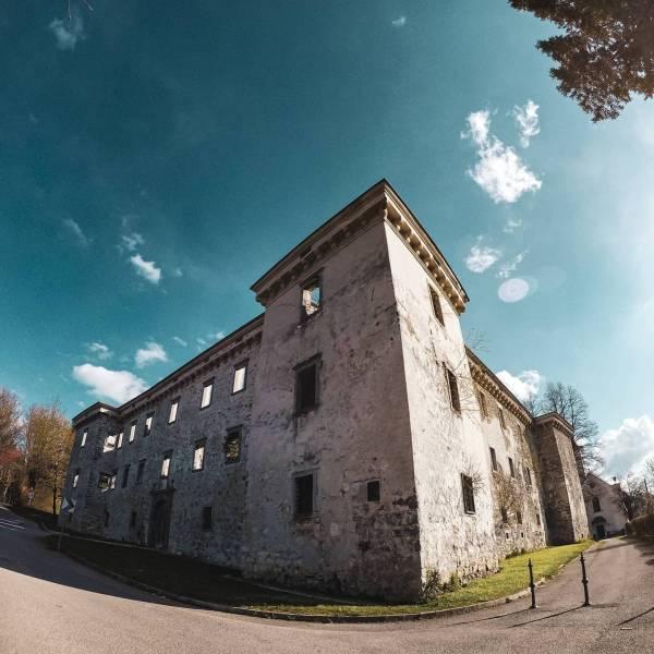 So many places are there to see.  Brdo pri Lukovici  #ifeelsLOVEnia #mojaslovenija #visitljubljana #staysafe   Photo by @jernejkarnicnik