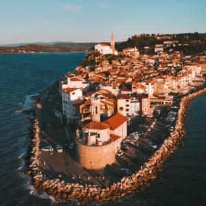 Magical Fall light above Piran - discover its narrow charming streets, taste the noble treasures from the sea and Istrian soil - enjoy Slovenia's Mediterranean.   #ifeelslOVEnia #mojaslovenija #sloveniaoutdoor #portorozpiran   Photo by @denys.shay.
