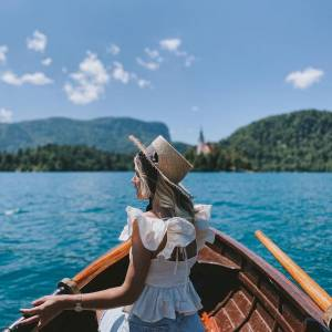 Take a trip in the tradional pletna boat  to Bled Island and climb up the 99 steps to the church of the Morher of God on the lake. Take a deep breath, close your eyes, make a wish and ring the wishing bell .   ✍️ Add @bledslovenia to your bucket list (again).   #ifeelslovenia #mojaslovenija #sloveniaculture #bled #island #culturallycurious   Thank you @maajitaa for sharing this beautiful pictures with us!