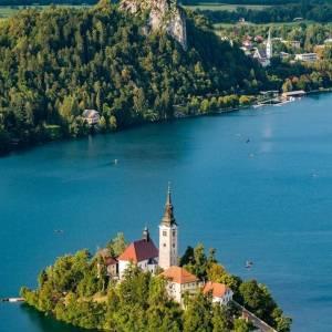 Lake Bled among the TOP 15 PRETTIEST PLACES IN EUROPE  ▶Read more via @cntraveler  #ifeelsLOVEnia #mojaslovenija #bled #lakebled #iamatraveler  Photo via Getty images | @cntraveler