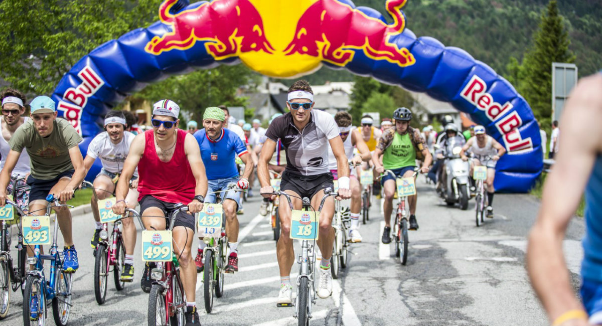 A record number of more than 900 legendary Slovenian Pony bicycles climb Vršič pass