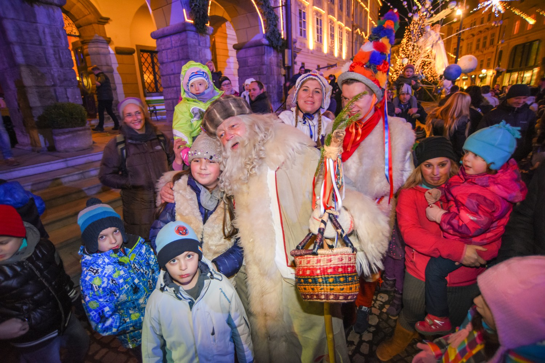 Sprevodi Dedka Mraza
