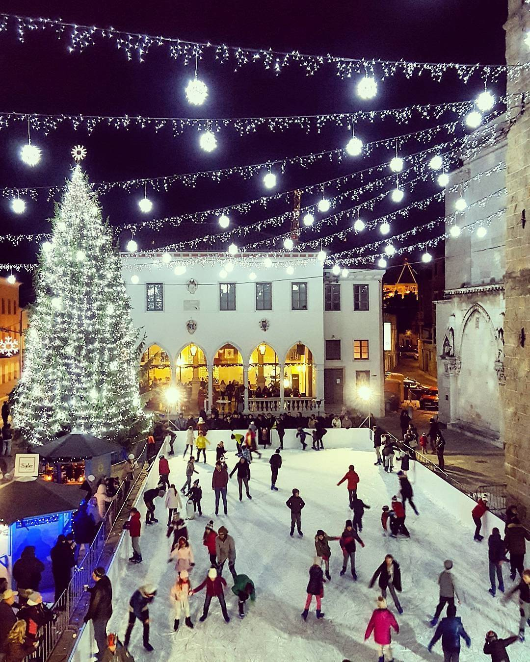 Lights are on! There is a special athmosphere in decorated Koper.  Thanks @zono_pachanga for sharing your photo with #ifeelsLOVEnia.