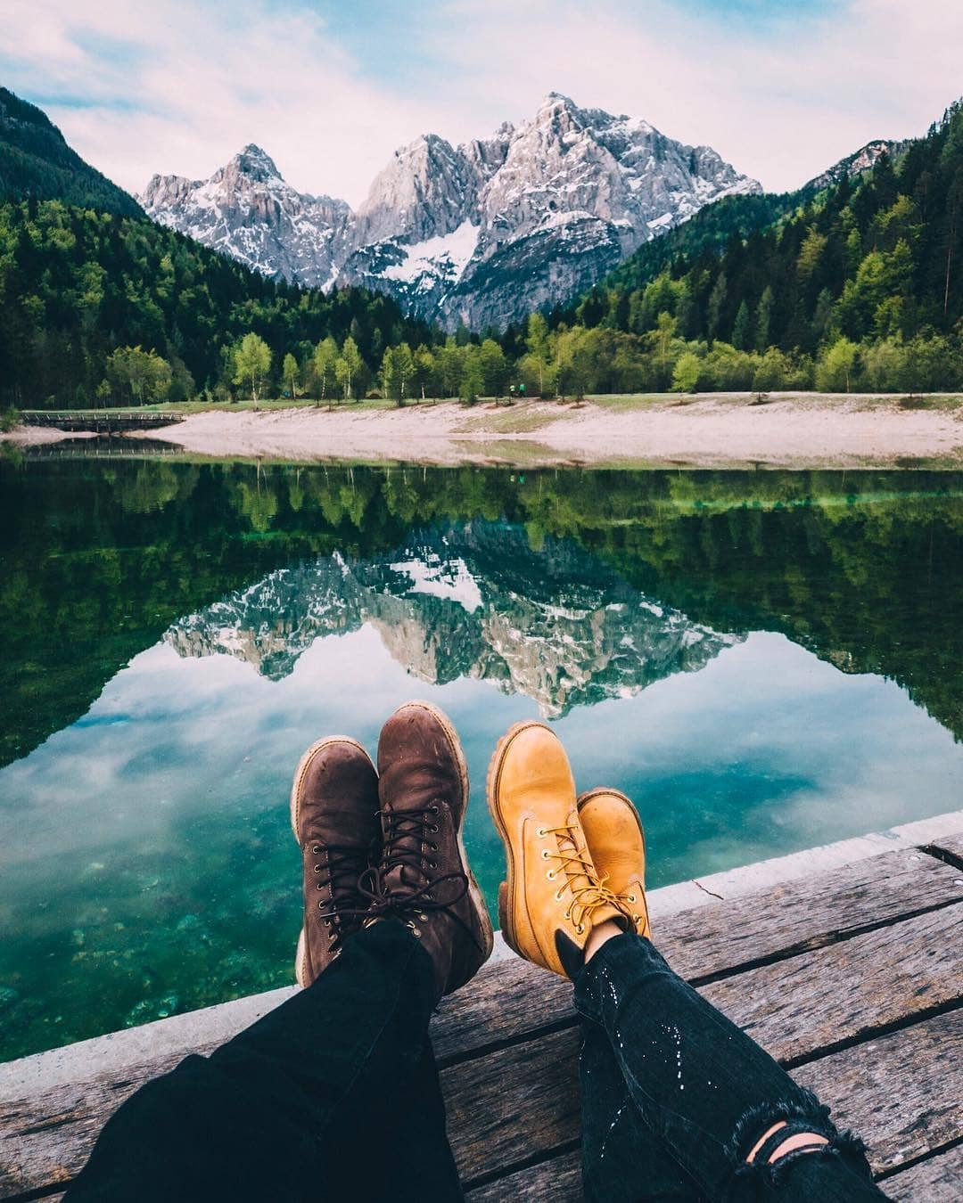This view makes everybody to stop and stare.  How do you like to travel: alone, with your loved one, with friends, with family? ‍‍‍ Thanks @hynecheck for sharing your photo with #ifeelsLOVEnia.