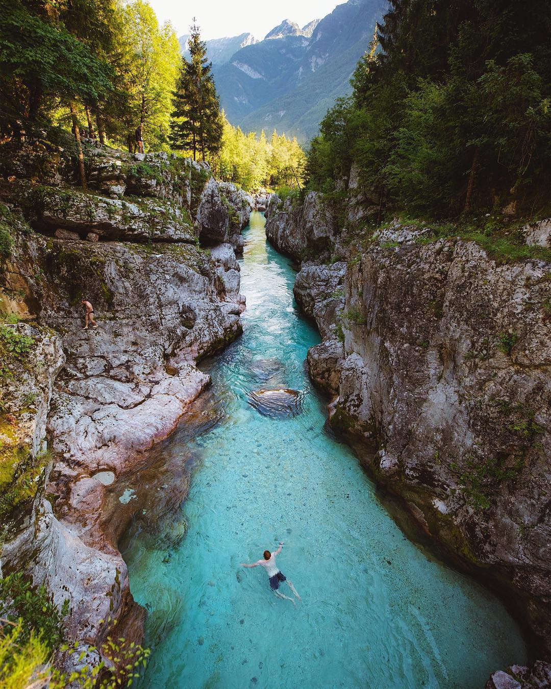 Hello lovely Saturday,  let's make a refreshing jump into the water on this sunny weekend!  Whom would you take with you, to this adventure?  Thanks @alexstrohl for sharing your photo with #ifeelsLOVEnia.