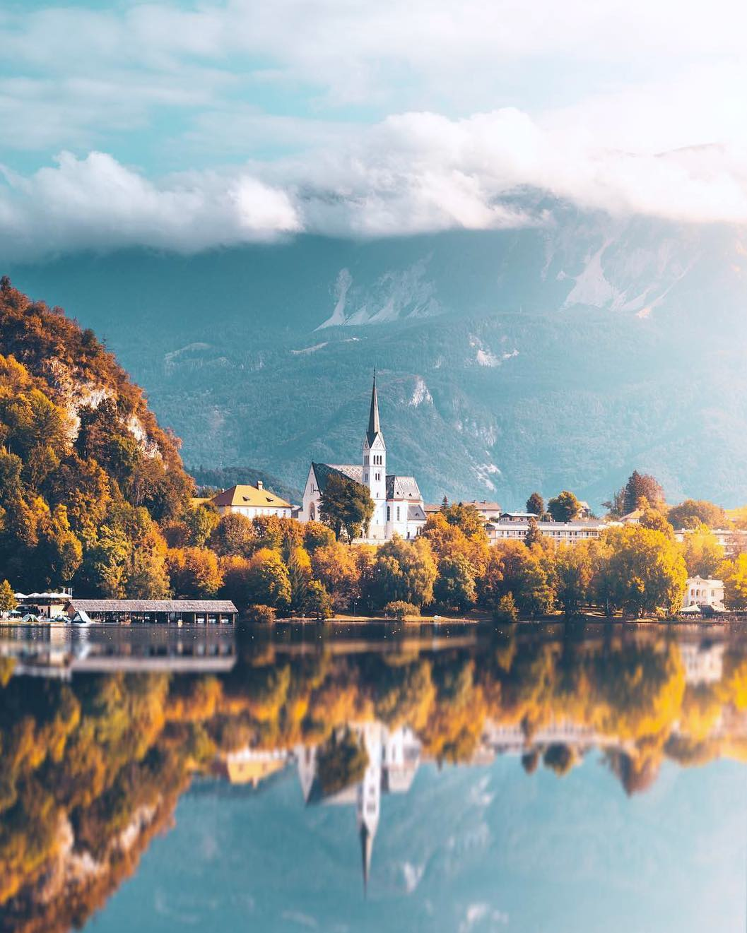 A morning walk by the lake?  . This is a slightly different view from Lake Bled as we're used to. . Tell us; what is your favourite memory from this magical place? ️ . Thanks @yantastic for sharing your photo with #ifeelsLOVEnia.