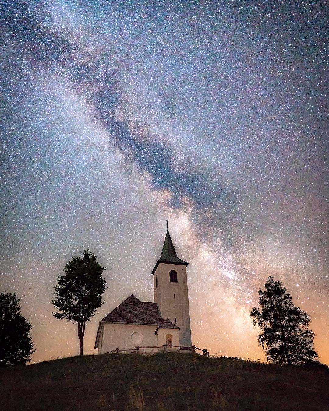 Good evening! Enjoy this moment of stars shining bright over the St. Holy Spirit church in Logar Valley.  Thanks @jamesjcruz for sharing your photo with #ifeelsLOVEnia.