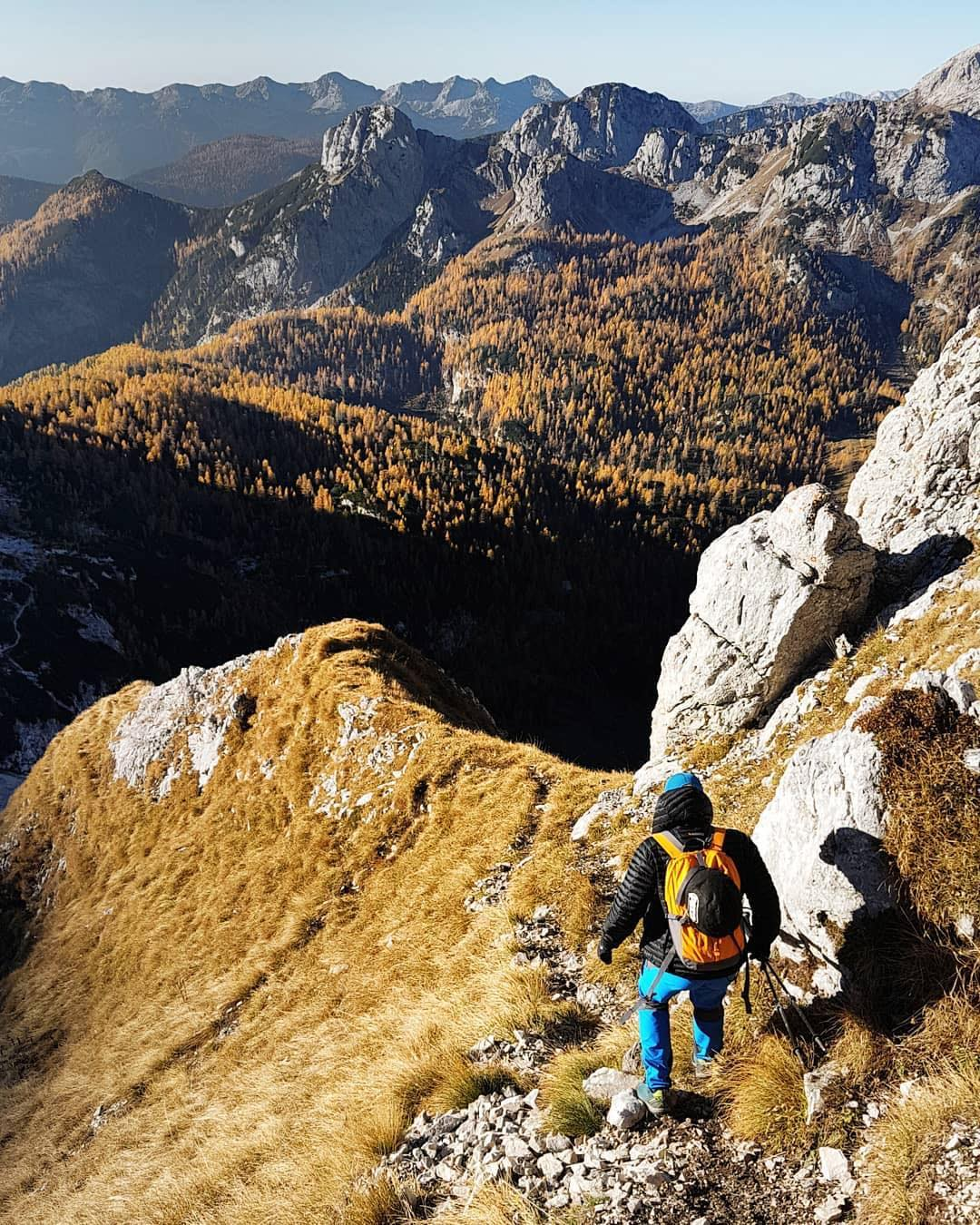 What about an adventorous hike on these beautiful autumnish days? ️ Thanks @nejo737 for sharing your photo with #ifeelsLOVEnia.