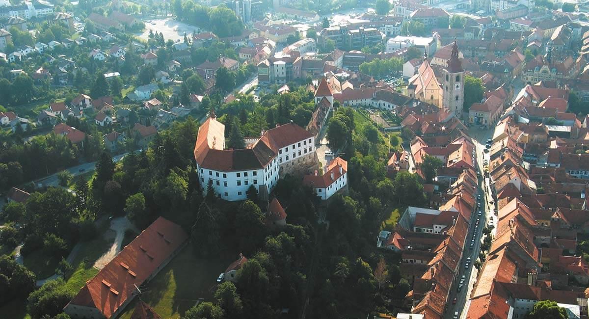 Ptuj adalah satu kota tertua di Slovenia.