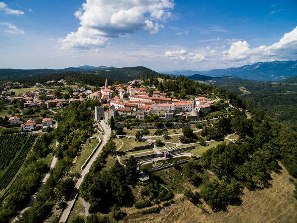 Štiri kraške občine ustanavljajo skupen zavod za turizem