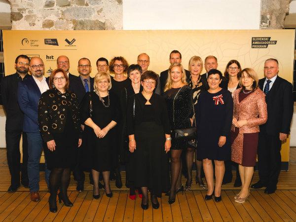 Slovenija dobila prvih 25 Kongresnih ambasadorjev in ambasadork Slovenskega ambasadorskega programa